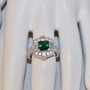 New Xavier 2.64ct Absolute CZ Emerald 925 Ring
